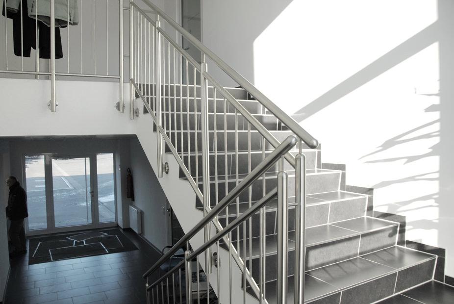 vertikal horizontal anbau mit treppenhaus in l hne projekte architekten b kamp. Black Bedroom Furniture Sets. Home Design Ideas